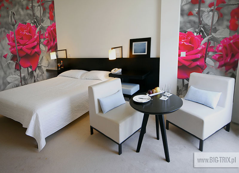 http://www.dreamstime.com/stock-images-hotel-room-image2344524