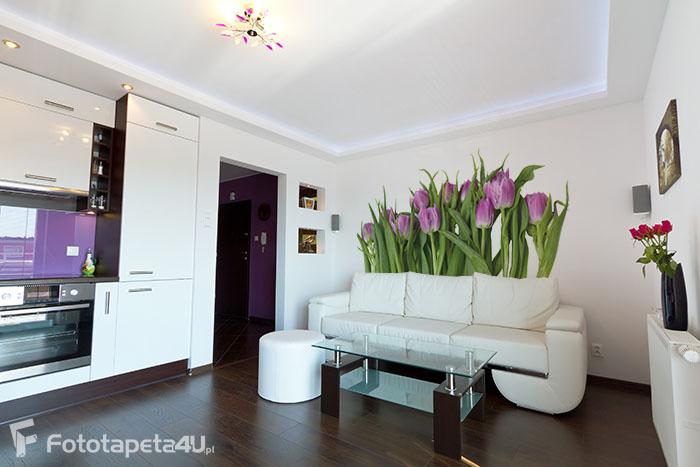 Fototapeta w salonie purpurowe tulipany